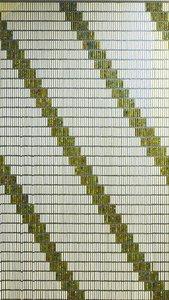 Vliegengordijn op maat: 4 diagonale strepen